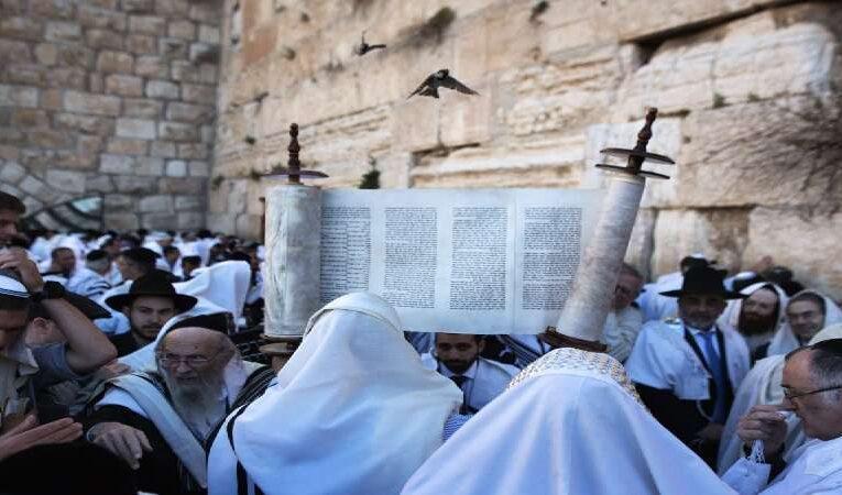 யூத ரபிகளின் பாரம்பரிய கதை ஒன்று இப்படியாக இருக்கிறது. இதில் கற்றுக்கொள்ள வேண்டிய விஷயம் ஒன்று இருக்கிறது